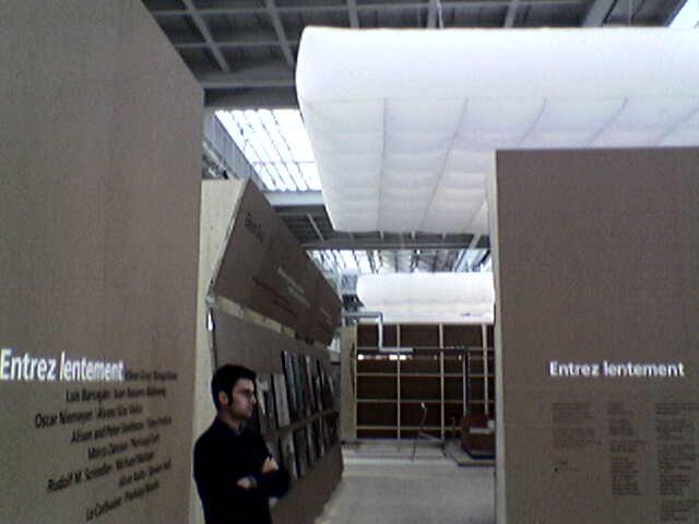 Foto 2 - Riva-Calzoni: Triennale, Entrez lentement